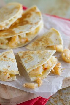 As an easy dinner or quick lunch, these Shrimp Scampi Quesadillas are a great change up to your routine, and are packed with flavor and only 4 ingredients!