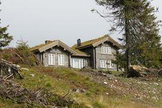 Et lite utvalg av våre 500 bygde hytter Scandinavian Home, Cabins In The Woods, Home Fashion, Cottage, House Styles, Mountains, Home Decor, House, Decoration Home