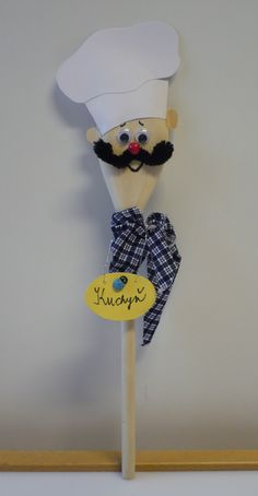 vařečky Plastic Spoon Crafts, Wooden Spoon Crafts, Wooden Spoons, Christmas Gifts For Friends, Christmas Crafts For Kids, Community Helpers Crafts, Diy And Crafts, Arts And Crafts, Puppet Crafts