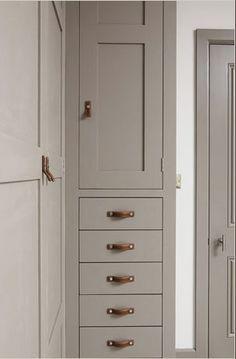 mushroom-cabinet-leather-handle.jpg (302×460)