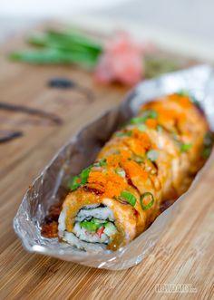 Lion King Sushi Roll - A Creamy Mouthwatering Treat for Cook-sushi Fanatics Fried Sushi, Sushi Sushi, King Sushi, Mexican Sushi, Seafood Recipes, Cooking Recipes, Sushi Roll Recipes, Salmon Sushi, Homemade Sushi