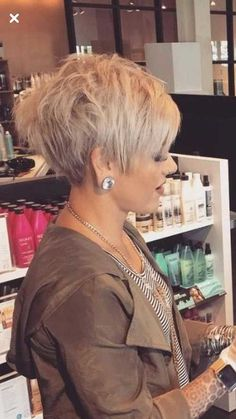 Chic Short Haircuts for Women Over 50 Short Hairstyles 2018 2019 Most Popular Short Hairstyles for 2019 Trendy Haircut, Stylish Short Haircuts, Latest Short Haircuts, Short Hairstyles Over 50, Popular Short Hairstyles, Short Pixie Haircuts, Bob Hairstyles, Popular Haircuts, Layered Hairstyles