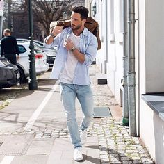 #men #street #style #fashion #watch #white #shoes #good #look #shirt #watch #bag #bracelet #jeans #sun  Nice look☺️