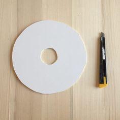DIY #26 – Une lampe origami | Pierre Papier Ciseaux Suspension Diy Luminaire, Led A Pile, Origami, Toilet Paper, Projects, Led Garland, Scissors, Homes, Stone