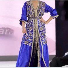 excellent nouveau modèle du caftan bleu 2016 pour mariage ou fiançailles.  Style takchita de luxe brodé et perlé à faire sur mesure au prix adorable 39741de8b26