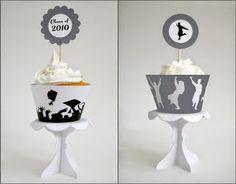 Graduación: Lindos Toppers y Wrappers para Cupcakes para Imprimir Gratis.