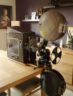 Antique movie theater projector professional photo lab for Ica home decor