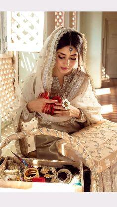 Asian Wedding Dress Pakistani, Desi Wedding Dresses, Pakistani Dresses Casual, Indian Gowns Dresses, Pakistani Dress Design, Party Wear Dresses, Indian Bridal, Indian Outfits, Nikkah Dress