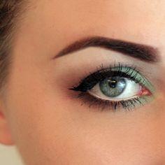 Smokey Eye Summer Moss Makeup Tutorial