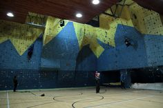 I am glad that I can work on a climbing wall during the semester and climb a lot.