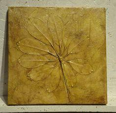 Sztukateria V  Pojedyncze egzemplarze odlewane i formowane ręcznie - z natury a nie z matrycy.  Rozmiar 24x24cm Wykończenie satynowy połysk.  Możliwość zawieszenia lub wklejenia w ścianę, mogą pracować pojedynczo albo jako zestaw, tryptyk itd.