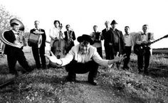 Emir Kusturica and The No Smoking Orchestra, da Sarajevo, meglio come regista che musicista;) Ma la band comunque ne sa un tot! Conductors, Feature Film, Music Is Life, Filmmaking, Cool Photos, Smoke, Actors, Concert, Pictures