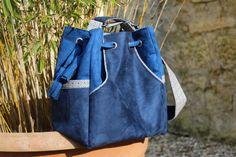 """Je suis très heureuse de vous présenter mon nouveau sac, Solveig ! Le patron est issu du livre """"Les sacs et pochettes à coudre"""" de la petite cabane de Mavada. Je vous ai déjà montré ici la besace Bérénice et le cabas Agathe. Solveig est le modèle qui..."""