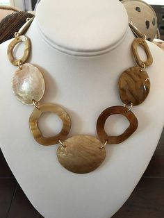 Tortoise shell chain necklace with large tortoise shell focal