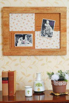 Mural de quadro de madeira e placas de cortiça