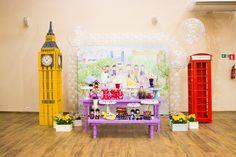 Festa Mr Bean: inspirações para uma festa infantil, diferente criativa e linda, com o tema Mr. Bean. Doces, decoração e muito mais. Mr Bean, Furniture, Home Decor, Kids Part, Sweets, Creativity, Decorations, Meet, Decoration Home