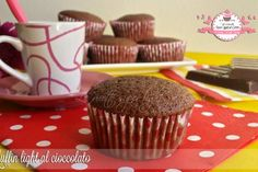 Muffin light al cioccolato – senza uova, senza olio e senza latte (68 calorie l'uno)