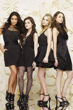 Aria, Hanna, Spencer and Emily-Pretty Little Liars