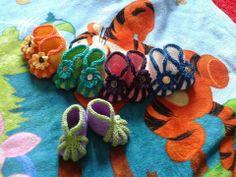Booties: Ravelry: Vauvan Tossut pattern by Eini Kivelä Ravelry, Crochet Necklace, Slippers, Knitting, Blog, Pattern, Fun, Crocheting, Pictures