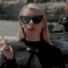 Emma Roberts, Aesthetic Photo, Aesthetic Girl, Madison Montgomery, Chanel Oberlin, Girl Smoking, Mean Girls, American Horror Story, Gossip Girl