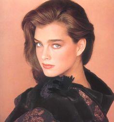 Modelo: Brooke Shields. Tag: #Brunette, #BluEyes, #Brooke.