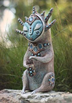 I Handmake Creatures From A Fantasy World Magical Creatures, Fantasy Creatures, Art Jouet, Art Sculpture, Wire Sculptures, Abstract Sculpture, Bronze Sculpture, Shattered Glass, Aliens
