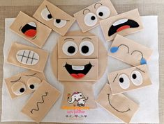 Geobord in 5 Minuten Kinderpsychologe, Kids Crafts, Toddler Crafts, Preschool Crafts, Felt Crafts, Diy Quiet Books, Baby Quiet Book, Felt Quiet Books, Creative Activities For Kids, Toddler Learning Activities