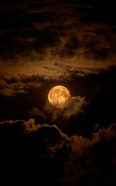 #moon #clouds #night #sky #linda #lua