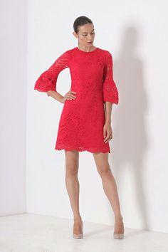 Rochie Sara Rosie - Rochie din dantela rosie, foarte eleganta, cu un design…