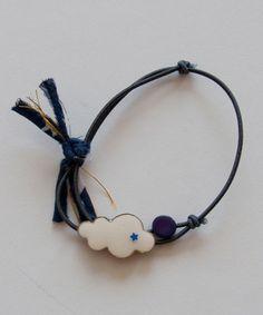 shopminikin - Charm Bracelet  (http://www.shopminikin.com/charm-bracelet-navy/)