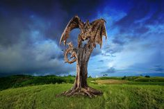 British sculptor James Doran-Webb uses driftwood and recycled metal to construct remarkable, life-size sculptures of various animals. ARTIST:James Doran-Webb LINK=>A NICE SELECTION OF THE ARTIST'S SCULPTURES (I'D LIKE TO KNOW WHO THE WONDERFUL PHOTOGRAPHER IS)