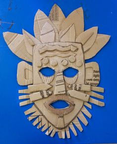 Artist in Focus: Pablo Picasso & African Masks Art. Cardboard Mask, Cardboard Sculpture, Cardboard Relief, African Art Projects, African Art For Kids, African Women, African Crafts, Classe D'art, Afrique Art