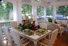 porches- I wish. I think I would become a hermit if I had a porch like this. Outdoor Rooms, Outdoor Dining, Outdoor Decor, Outdoor Areas, Dining Area, Sweet Home, Home Porch, Decks And Porches, Screened Porches