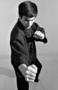 """guts-and-uppercuts: """" Bruce Lee """" Bruce Lee Pictures, Squad Pictures, Bruce Lee Collection, Blue Lee, Ryu Street Fighter, Kelly Hu, Jeet Kune Do, Human Poses Reference, Enter The Dragon"""