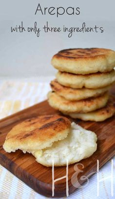 This three (or four, depending on your cooking preferences) ingredient recipe is heaven-sent, let me tell you. Unlike yeast bread, there's no waiting time for this recipe. There's no need to wait for the yeast to activate, so you'll have hot arepas ready Comida Latina, Gluten Free Recipes, Vegan Recipes, Cooking Recipes, Masa Recipes, Gluten Free Bread Recipe No Yeast, Yeast Free Diet, Yeast Free Recipes, Yeast Free Breads