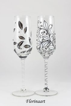Classic Black and White Wedding flutes Champagne Flutes