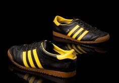 A lovely pair of vintage Oslo - v-nice. You don't see many Oslo's on the street these days, even though it is one of adidas' favourite colourways