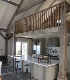Sumich Chaplin... barn house... Partly painted interior, partly raw timber...