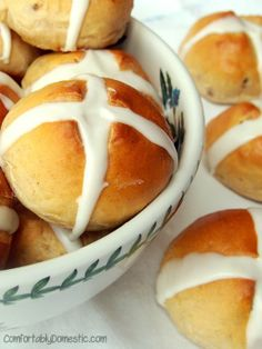 Hot Cross Buns || ComfortablyDomestic.com. Perfectly spiced and pillowy sweet rolls.