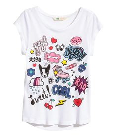 Shop online for cute, colorful tops for girls and teens ages 8 to 14 at H&M. Choose from basic T-shirts and tanks, summer tops, long-sleeved tees and more. Kids Nightwear, Girl Trends, Tween Fashion, Kids Wear, Shirts For Girls, Printed Shirts, Kids Outfits, Shirt Designs, Clothes