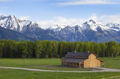 Teton Horse Barn | Feature Project | Sand Creek Post & Beam