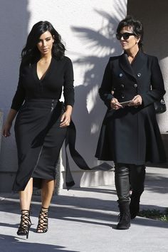 Kim Kardashian Steps Out With Her Short, Chic Haircut, Shows Cleavage in Black Outfit?See the Photo!
