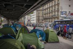 Derniers jours dans le quartier de La Chapelle. Dans le campement se croisent de nombreuses nationalités : Erythréens, Soudanais, Marocains, Tunisiens...
