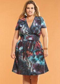Vestido Decote V Plus Size Estampado