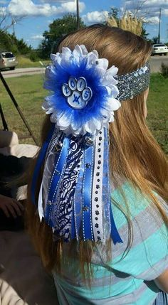 homecoming proposal ideas Found on Bing from Proposal Ideas candy Found on Bing from Found on Bing from Homecoming Mums Senior, Football Homecoming, Homecoming Corsage, Homecoming Spirit Week, Homecoming Garter, Homecoming Proposal, Homecoming Ideas, Football Mums, Football Crafts