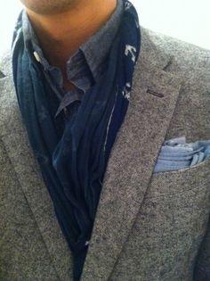 Anchor scarf detail