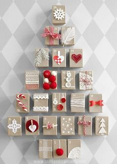 11 Pretty Paper Christmas Ornaments: Simple to Make Red and White Christmas Advent Calendar Paper Christmas Ornaments, Diy Christmas Tree, Christmas Gift Wrapping, Christmas Projects, Christmas Holidays, Christmas Decorations, Christmas Tables, Nordic Christmas, Modern Christmas