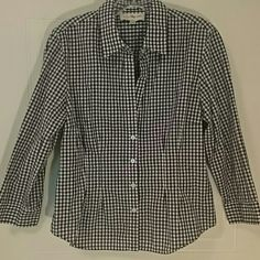 JNY Button Down Check Blouse Black and white button down Jones of New York blouse with tailored front and back for good fit Jones New York Tops Button Down Shirts