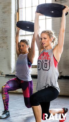 From muscle tees to bold printed leggings, shop perfomance gear for your training workouts and more in Reebok Rally.