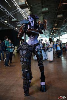 Incredible World Of Warcraft Female Draenei Warrior Cosplay